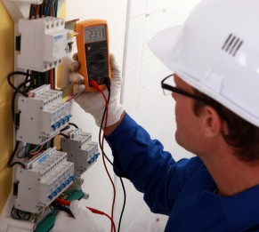 12499593 - electrical inspector reading power output
